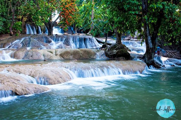 Wang Kan Lueang瀑布来自天然池塘2