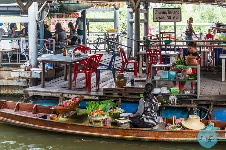 Taling Chan Floating Market2