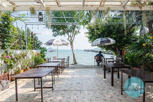 Cafe'De sea