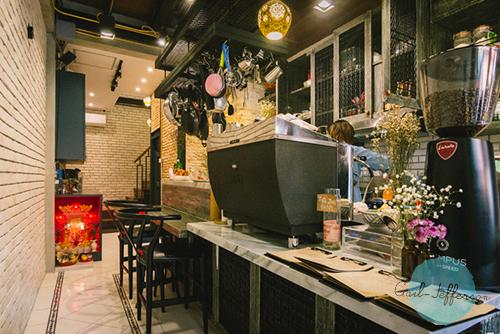 JingJing Ice-cream Bar and Cafe1